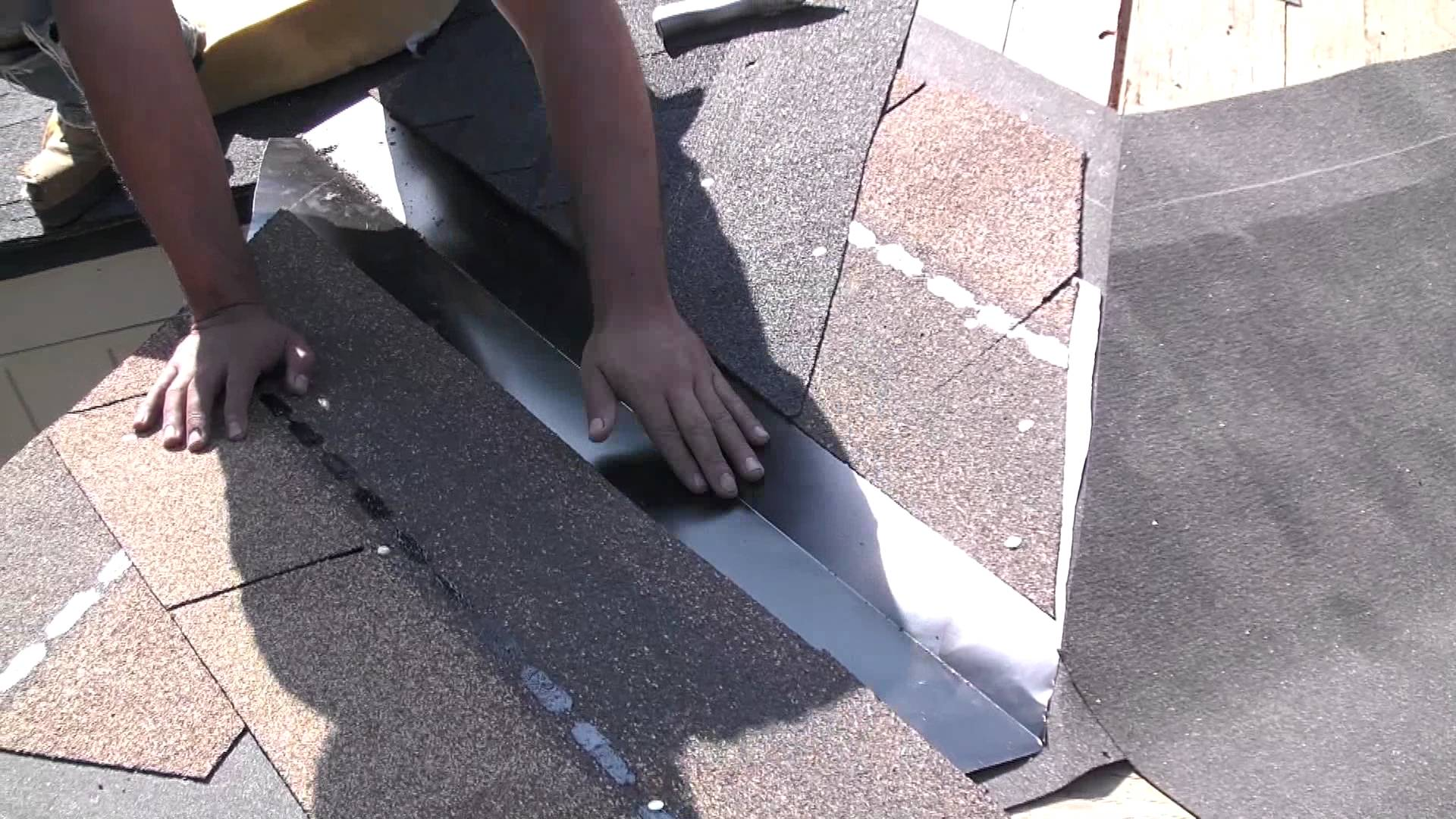 Are You Looking For Some Tips To Select The Best Roofing Company? Here Are The 8 Best Tips.