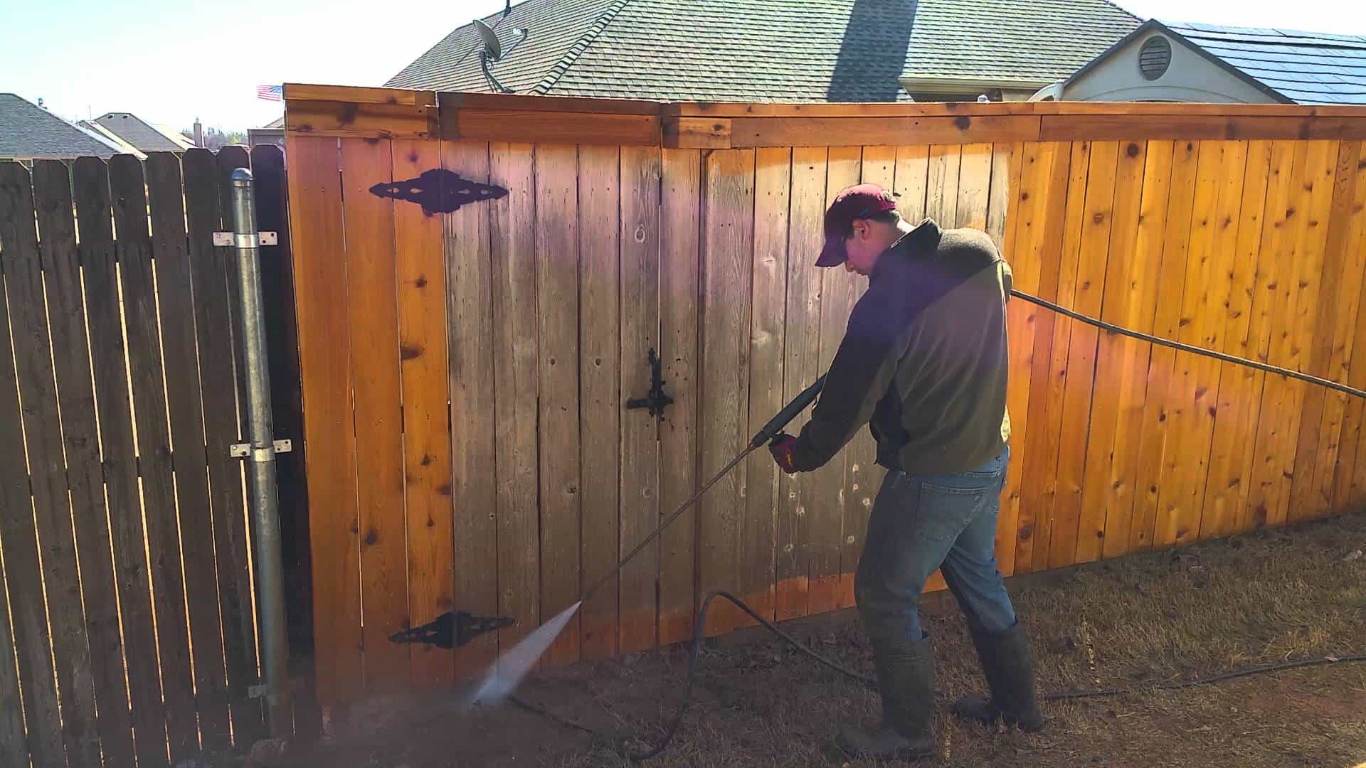 Tips for Cleaning Mold, Mildew from Siding Without Using Bleach